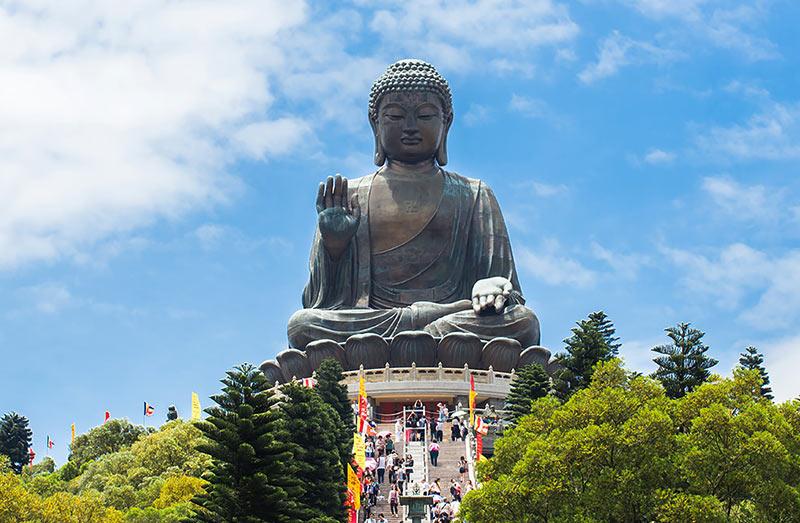 Остров Лантау. Статуя сидящего Будды