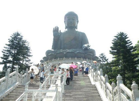 Гонконг. Остров Лантау. Сидящий Будда