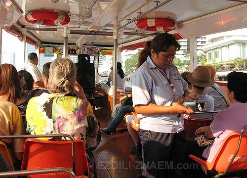 К достопримечательностям Бангкока на речном трамвае