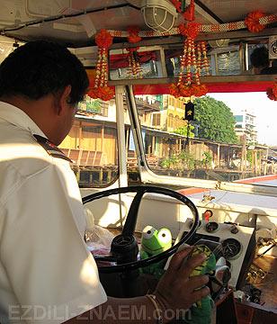Бангкок: на речном трамвае