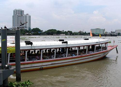 Бангкок: по реке на речном трамвае