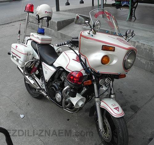 Фото мотоциклов. Полицейская Хонда