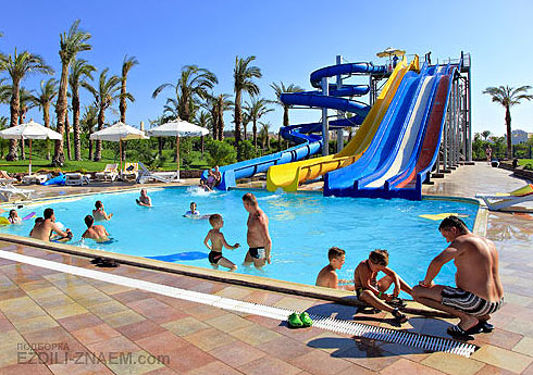 Отель с аквапарком: Three Corners Kiroseiz Resort 5*