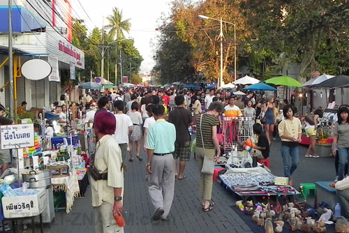 Чангмай: шоппинг на воскресном рынке
