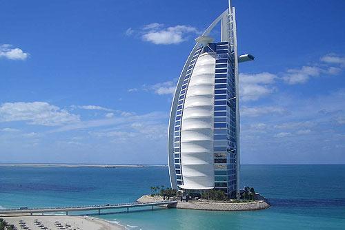 Отели с наилучшим видом из окна. На фото: вид из окна отеля Jumeirah Beach