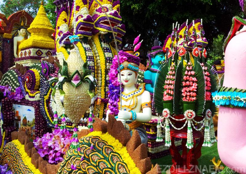 Украшения машин на фестивале цветов