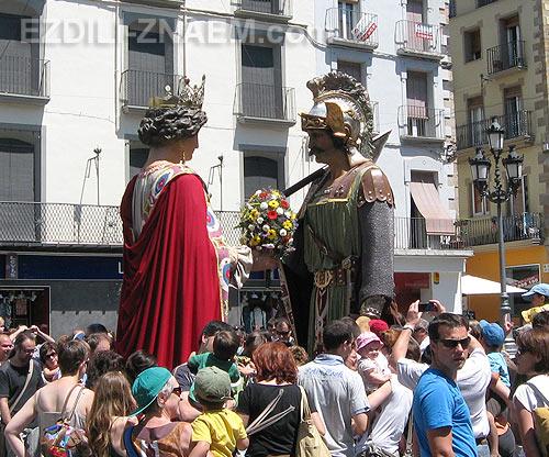 Испанский праздник Гигантов в городке Олот