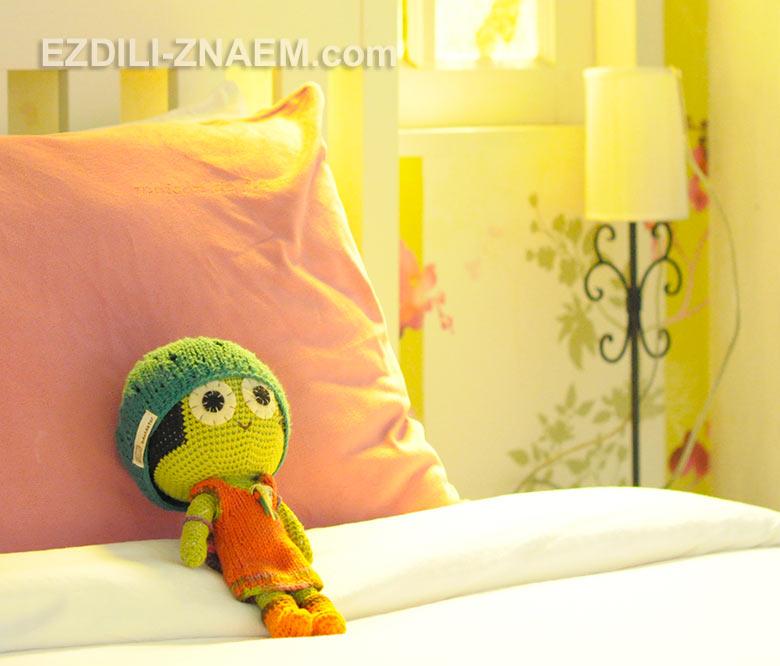 Веселые персонажи в тайских отелях