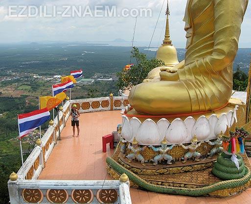 Тайланд. На вершине горы Тигровой пещеры в Краби