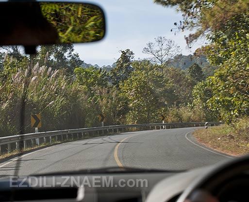 Тайланд: горная дорога в национальном парке Дои Интанон