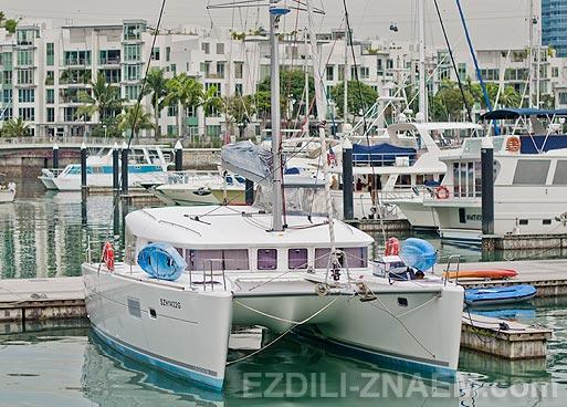 Яхты миллионеров в Кеппель Бэй в Сингапуре. Фото