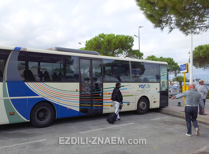из Сан-Рафаэля до Сан-Тропе часто ходят автобусы ValRib