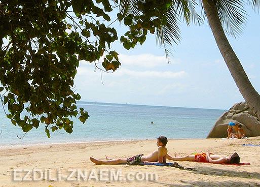 На пляже острова Панган в Тайланде