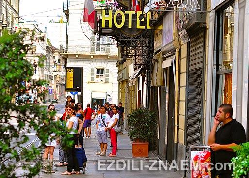 Поиск отелей в свободных путешествиях без плана