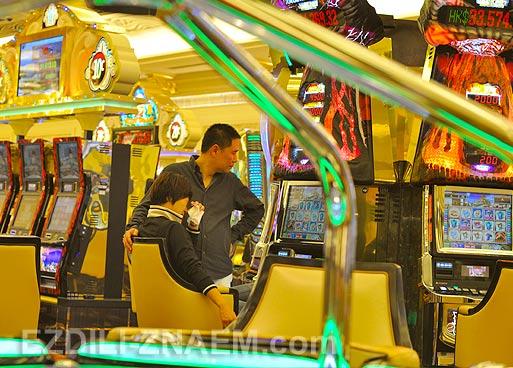 В казино Макао
