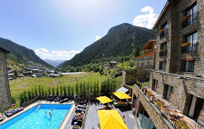 Отель в горах Андорры