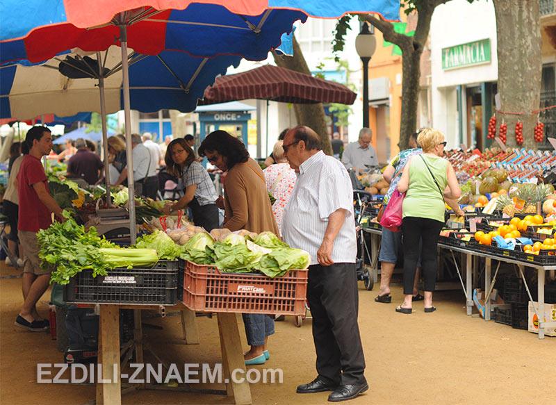 Рынок в Бланесе, Испания
