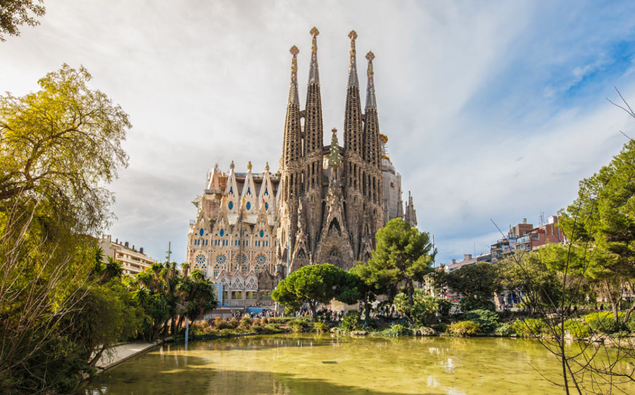 главная достопримечательность Барселоны: храм Sagrada Familia