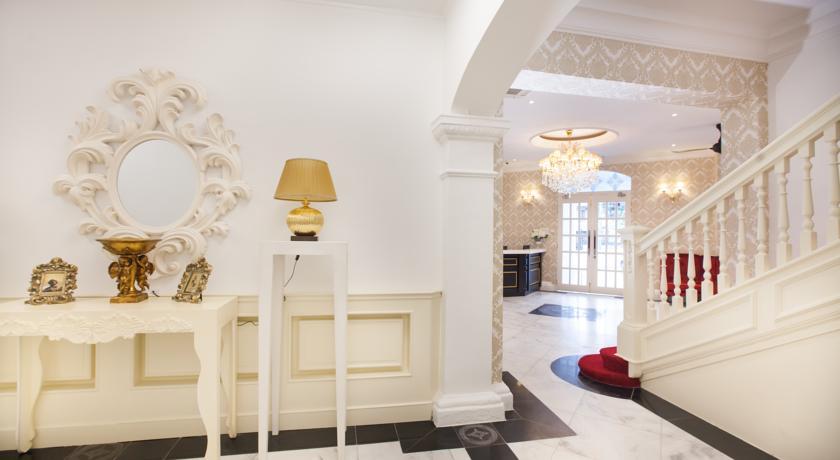 Deluxcious Luxurious Heritage Hotel