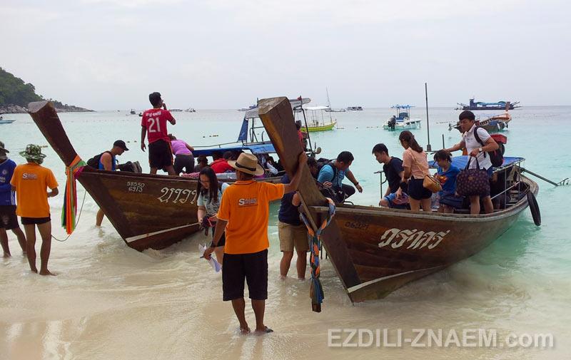 Высадка туристов на остров Липе