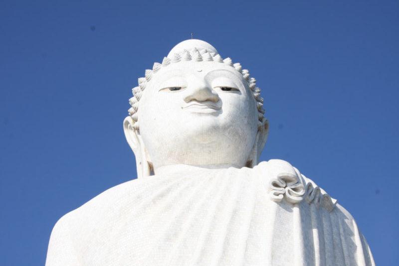 Статуя Будды на острове Пхукет, Тайланд