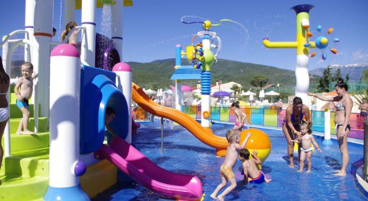 Cronwell Platamon Resort - отель с аквапарком в Греции