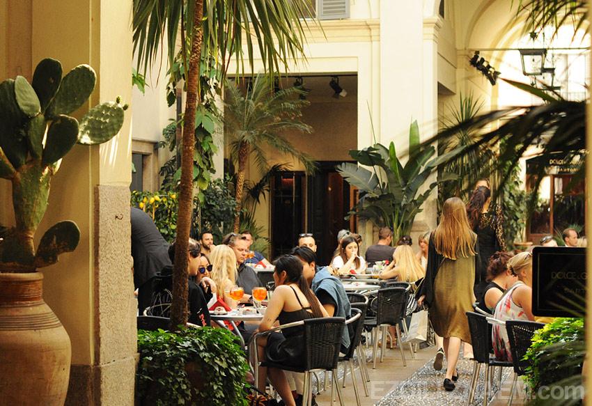 Кафе в Милане