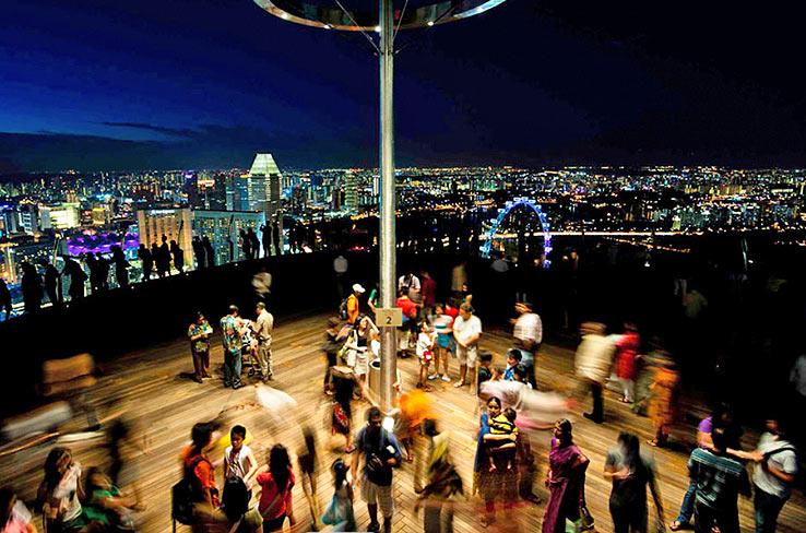 Обзорная площадка Sky Park на крыше отеля Marina Bay Sands
