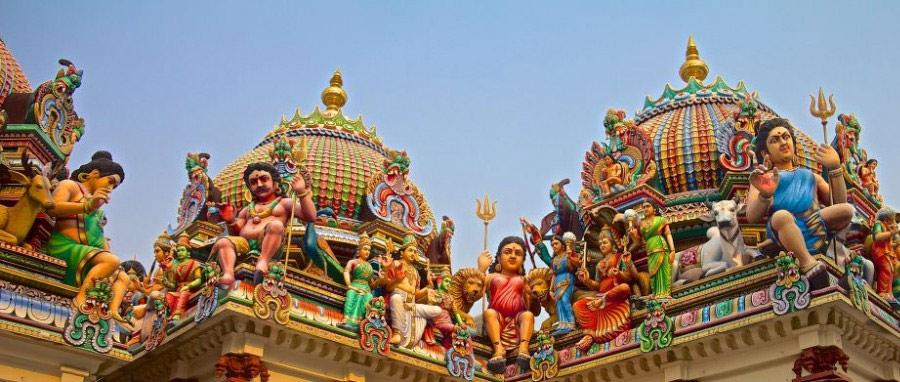 Индийский храм Sri Mariamman Temple в Сингапуре