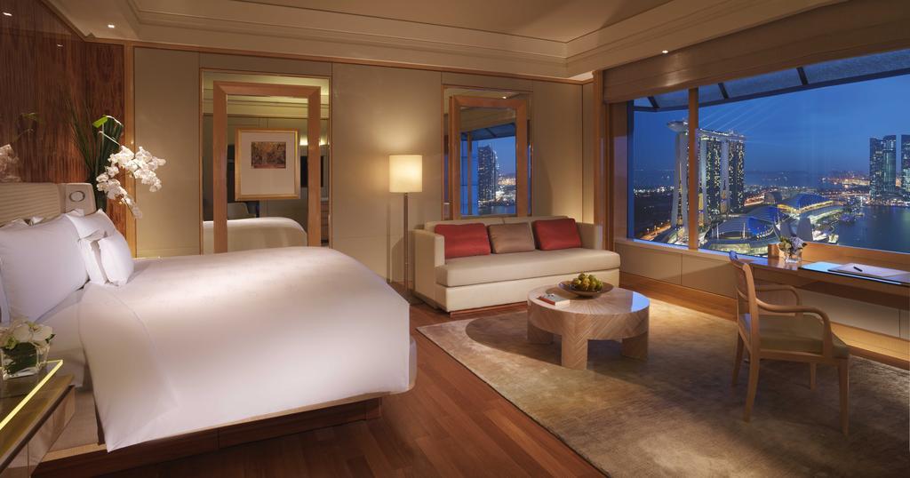 Номер в отеле Ritz-Carlton, Millenia Singapore