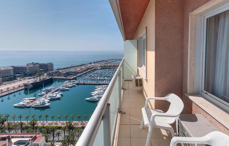 Номер на высоком этаже отеля Tryp Alicante Gran Sol