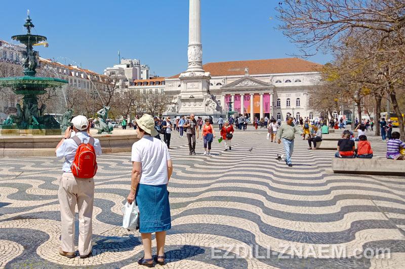 Площадь Россио в Лиссабоне