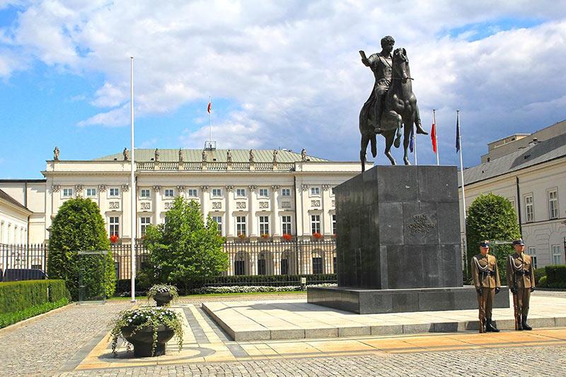 Президентский Дворец в Варшаве