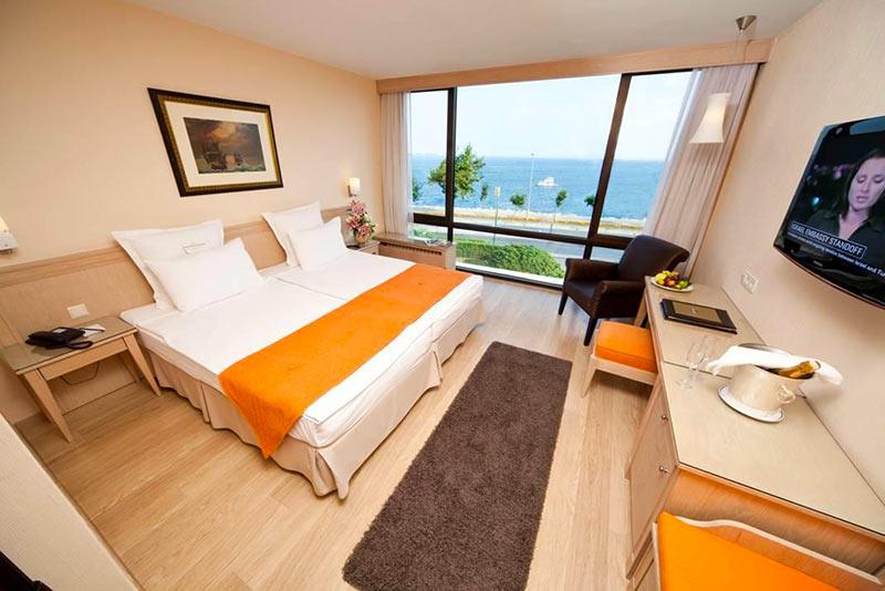 """комната с видом на Босфор в отеле """"Kalyon"""", Стамбул"""