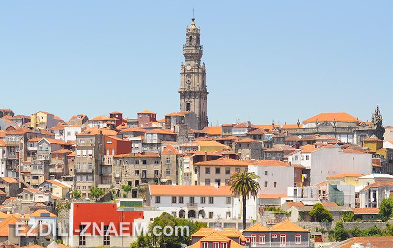 Колокольня церкви Клеригуш - самая высокая точка Порто