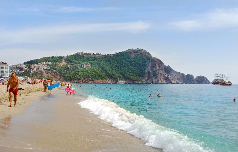 Турция в октябре: Алания, пляж Клеопатра
