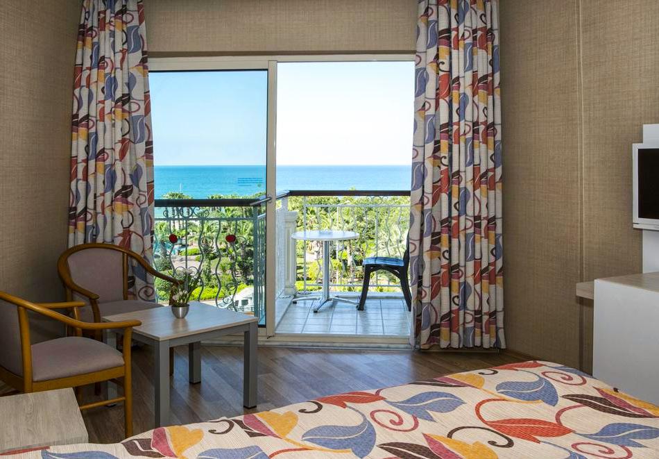 Номер в отеле Riviera Hotel & Spa