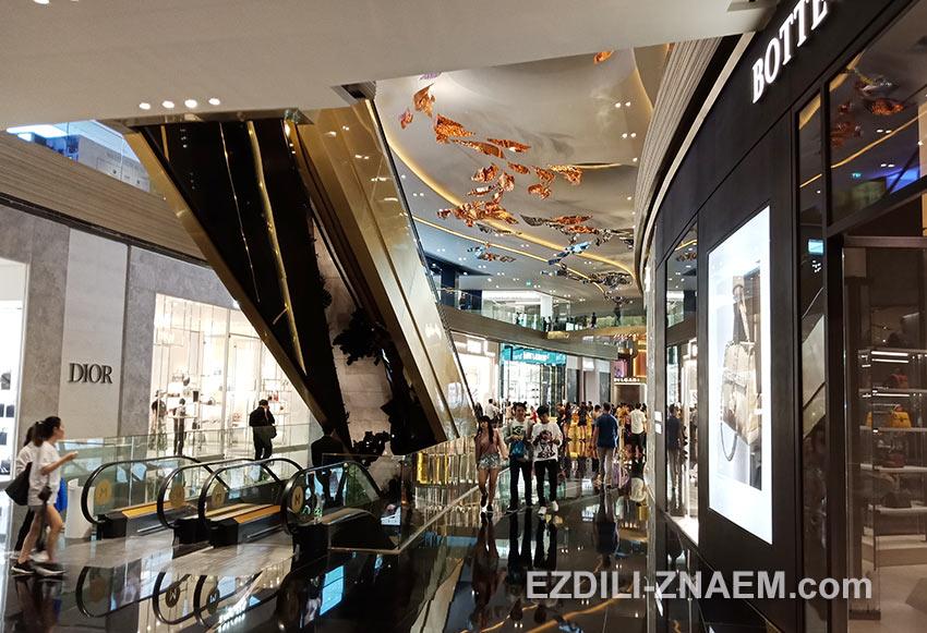 Шоппинг в торговом центре IconSiam в Бангкоке