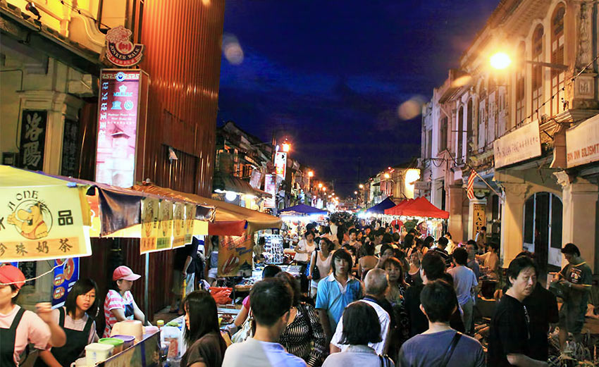 Ночной базар на Джонкер Стрит в Мелаке