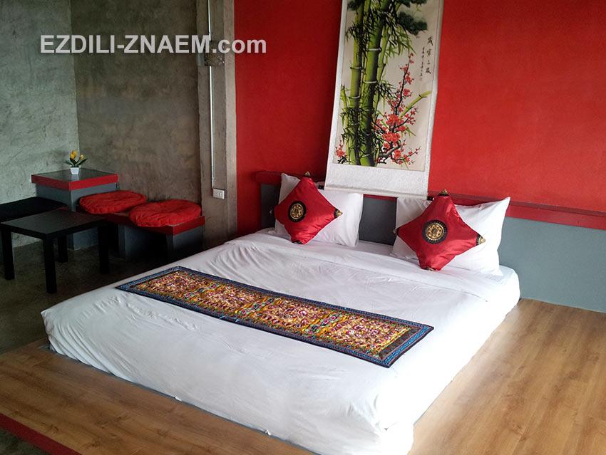 На фото: номер отеля в Мае Салонг