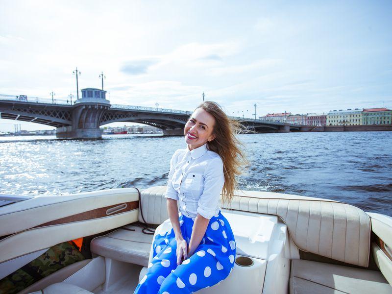 Экскурсия по каналам Санкт-Петербурга