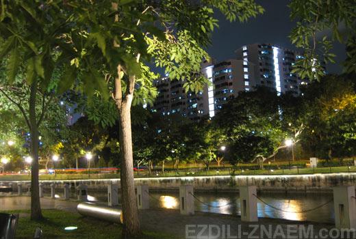На фото: набережная Clarke Quay (Клар Ки) в Сингапуре