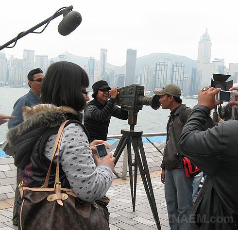 Фото Гонконга. Туристы на Авеню Звезд.