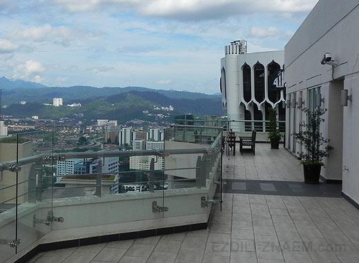Фотосессия на крыше небоскреба в Куале