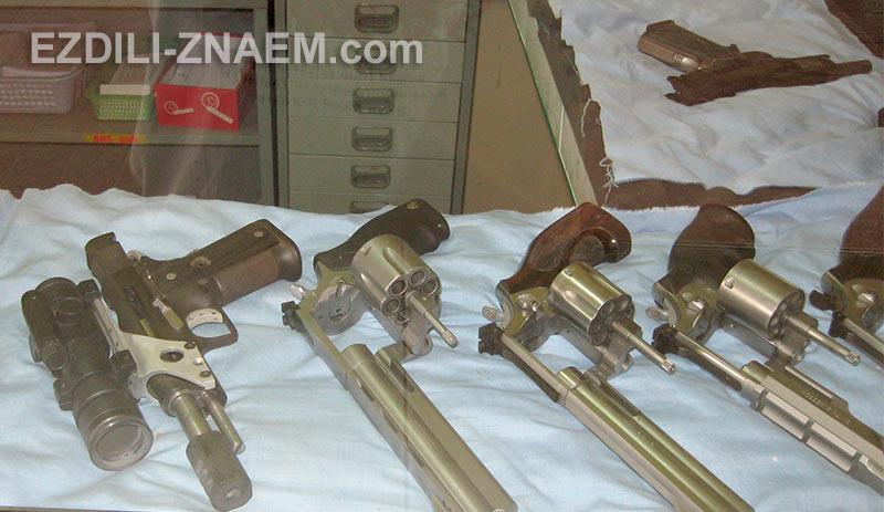 Выбор пистолетов и револьверов в тайском тире