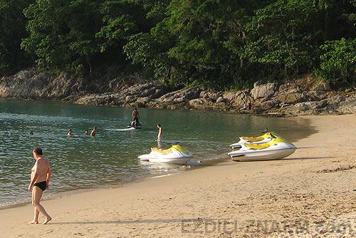 Пхукет: скрытый пляж между Сурином и Каммалой