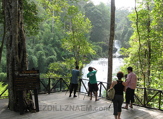 Экскурсия к водопадам парка Дои Интханон