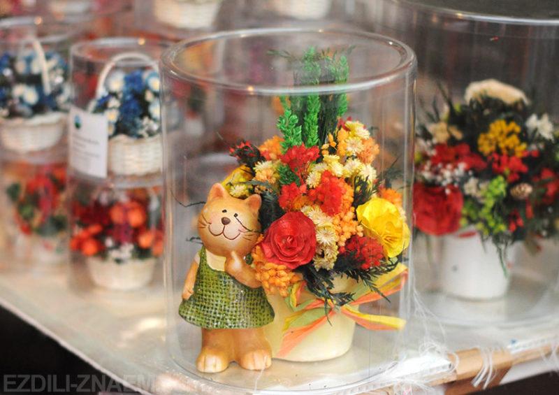 Сувениры на фестивале цветов в Чиангмае