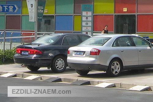 Парковки на улицах Шанхая