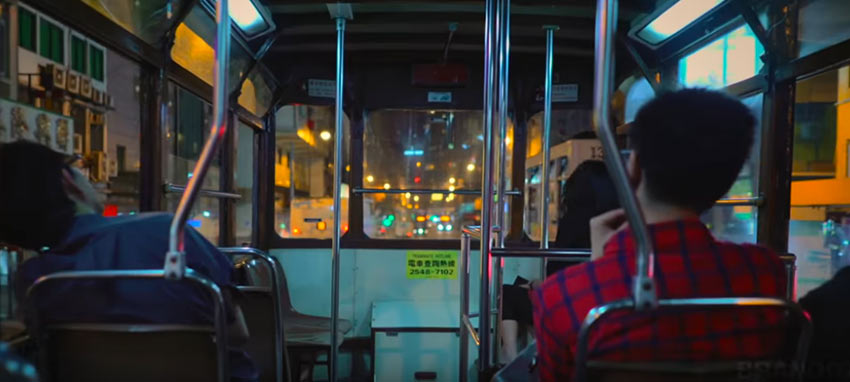 На втором этаже трамвая